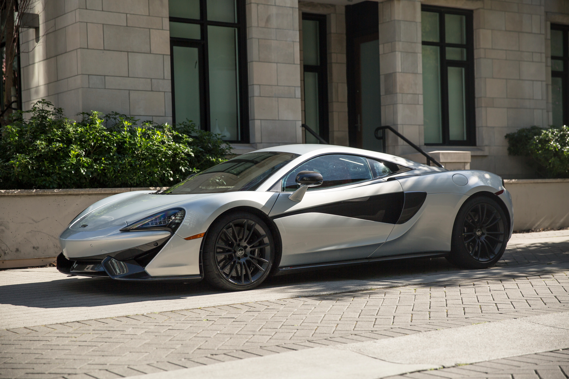 miles-end-mclaren-570s-ice-silver_1